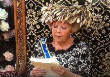 De konigin leest de troonrede voor
