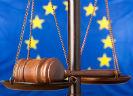 Logo Europa met weegschaal en hamer