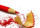 Rood potlood met slijpsel