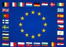 Europese ster omringt door vlaggen lidstaten